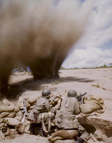 Color Image「'Soldiers And Sandbags'」:写真・画像(12)[壁紙.com]