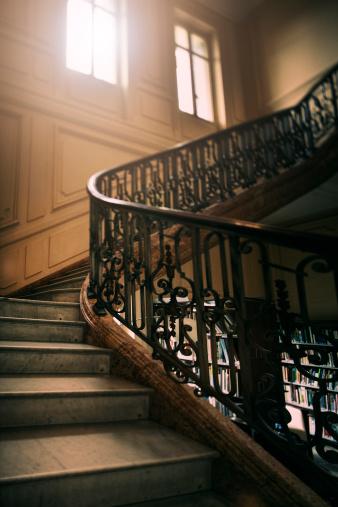 Cannes「Old stairway」:スマホ壁紙(9)