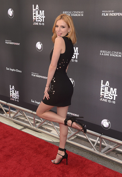 "Alternative Pose「2015 Los Angeles Film Festival - Premiere Of MTV And Dimension TV's ""Scream"" - Red Carpet」:写真・画像(9)[壁紙.com]"