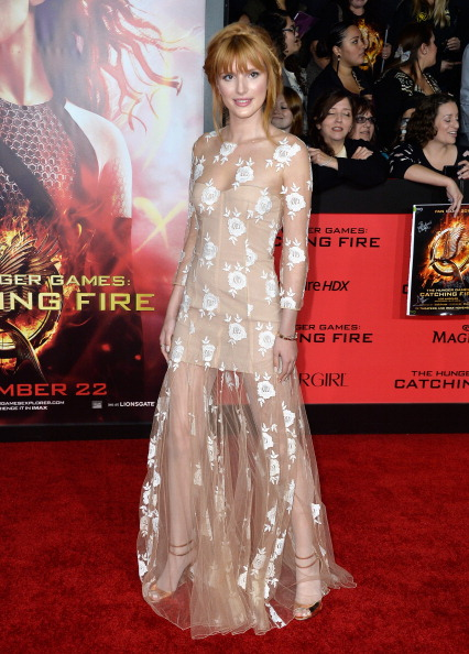 """Bangs「Premiere Of Lionsgate's """"The Hunger Games: Catching Fire"""" - Arrivals」:写真・画像(12)[壁紙.com]"""