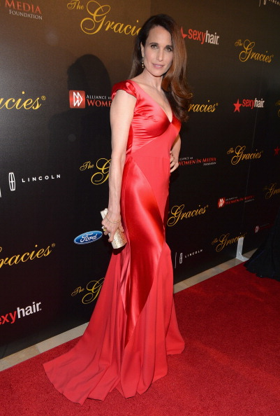 Bustier Dress「39th Annual Gracie Awards - Red Carpet」:写真・画像(7)[壁紙.com]