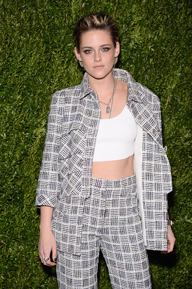 Kristen Stewart「The Museum of Modern Art Film Benefit Presented By CHANEL: A Tribute to Julianne Moore - Arrivals」:写真・画像(19)[壁紙.com]