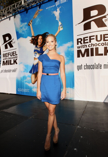 """Asymmetric Dress「""""Be Strong"""" Challenge With Ashley Tisdale」:写真・画像(17)[壁紙.com]"""