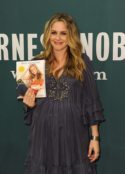 """Alicia Silverstone「Alicia Silverstone Book Signing For """"The Kind Diet""""」:写真・画像(19)[壁紙.com]"""
