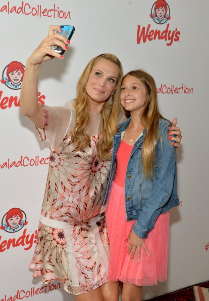Chicken Salad「Wendy's and Style Icon Molly Sims Celebrate Summer With New Seasonal Salad」:写真・画像(14)[壁紙.com]