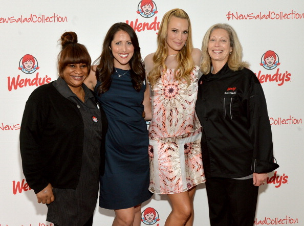 Chicken Salad「Wendy's and Style Icon Molly Sims Celebrate Summer With New Seasonal Salad」:写真・画像(17)[壁紙.com]