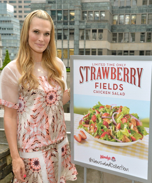 Chicken Salad「Wendy's and Style Icon Molly Sims Celebrate Summer With New Seasonal Salad」:写真・画像(15)[壁紙.com]