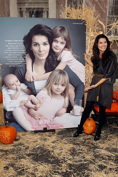 Milk Chocolate「Angie Harmon Unveils Her New Got Milk Ad」:写真・画像(3)[壁紙.com]