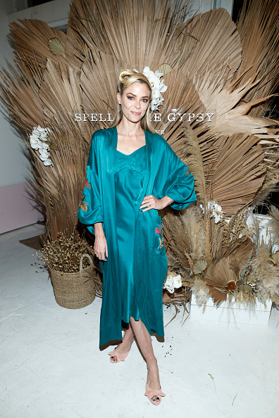Turquoise Colored「Spell & The Gypsy Collective Pop-Up Opening Party」:写真・画像(1)[壁紙.com]