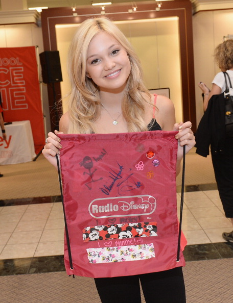 """Olivia Holt「Olivia Holt From Disney Channel's """"Kickin' It"""" Joins Radio Disney At jcpenney To Celebrate Back-To-School At jcp #MakeItYours」:写真・画像(15)[壁紙.com]"""