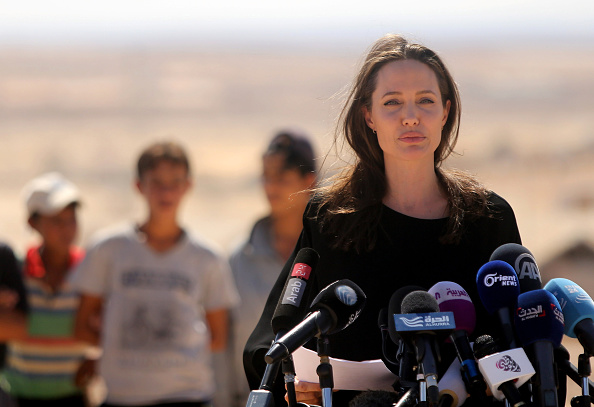 Care「Angelina Jolie Attends UNHCR Press Conference」:写真・画像(18)[壁紙.com]