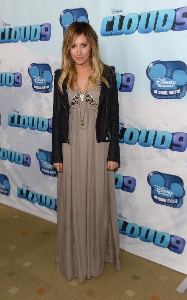 Ashley Tisdale「Premiere Of Disney Channel's 'Cloud 9' - Arrivals」:写真・画像(16)[壁紙.com]