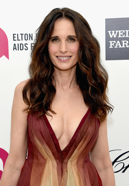 Andie MacDowell「23rd Annual Elton John AIDS Foundation Academy Awards Viewing Party - Red Carpet」:写真・画像(3)[壁紙.com]