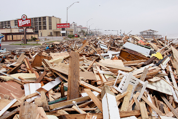 Hurricane Ike「Hurricane Ike Makes Landfall On Texas Coast」:写真・画像(2)[壁紙.com]