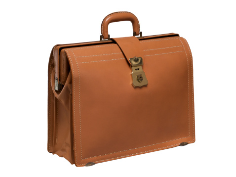 Briefcase「Brown leather briefcase on white background」:スマホ壁紙(6)