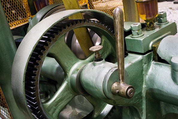 Handle「Control lever and cog at sugar factory, Picardie, France」:写真・画像(3)[壁紙.com]
