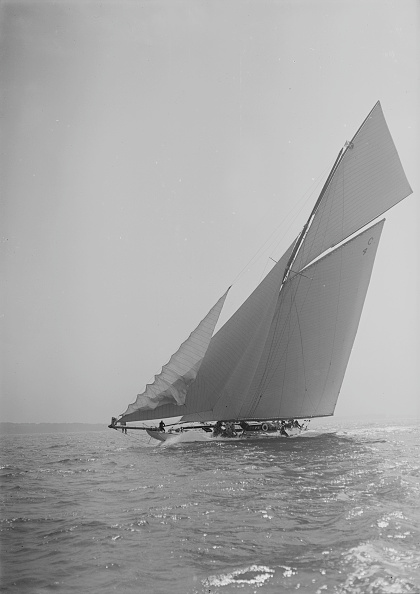 Cutting「The 19-Metre Cutter Norada Sailing Close-Hauled」:写真・画像(17)[壁紙.com]