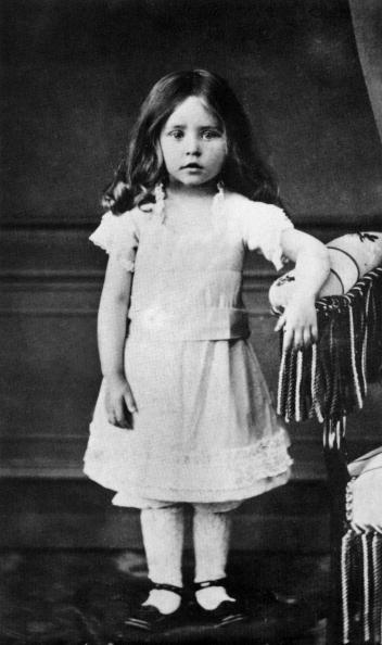 作家「French writer Colette (1873-1954, Sidonie Gabrielle) here as a child in 1876」:写真・画像(7)[壁紙.com]