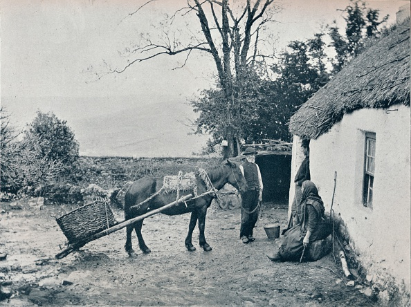 Thatched Roof「'A Gendun Turf Slide', c1903」:写真・画像(9)[壁紙.com]