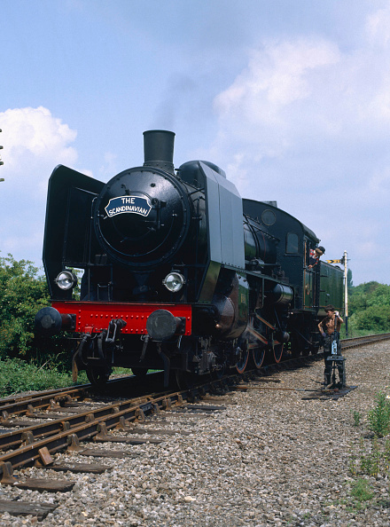 Valley「Nene Valley Railway. No.101 runs round its train at Yarwell Mill - The 13:38 from Wansford. 17.06.1984.」:写真・画像(19)[壁紙.com]