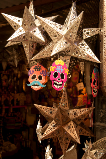 Gift Shop「Skulls and tin lights for sale in Mexico」:スマホ壁紙(2)