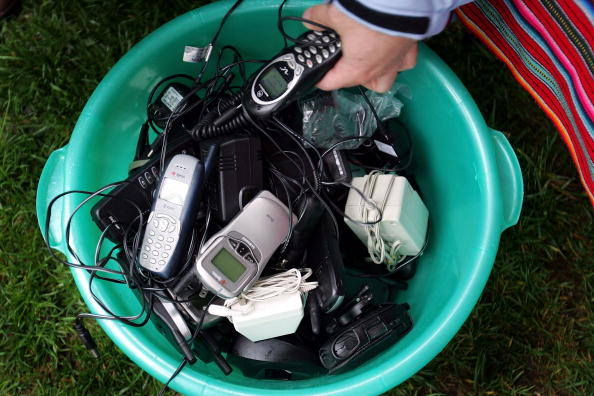 Obsolete「Massive Cell Phone Recycling Campaign Begins In Washington」:写真・画像(8)[壁紙.com]