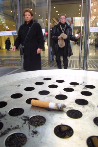 Obsolete「EU Considers Anti-Smoking Legislation」:写真・画像(2)[壁紙.com]