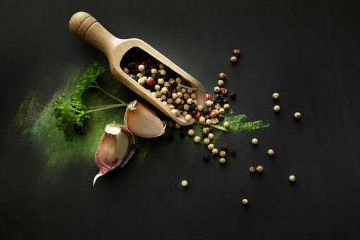 Garlic Clove「Seasoning: Pepper, Garlic and Parsley Still Life」:スマホ壁紙(17)