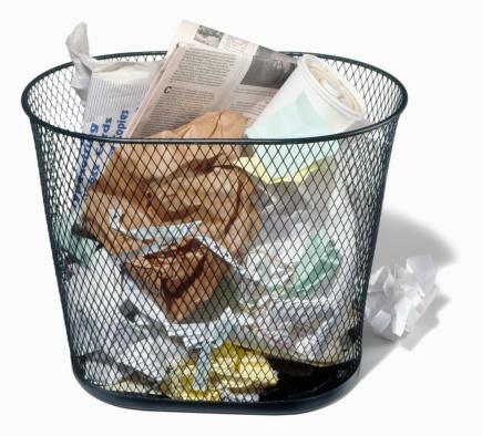 Wastepaper Basket「Wastepaper basket full of trash」:スマホ壁紙(19)