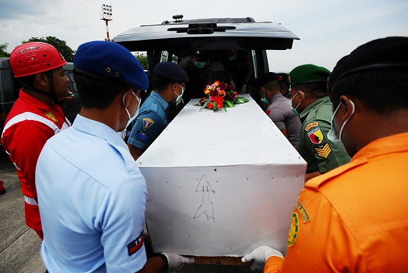 Robertus Pudyanto「Recovery Operation Continues For AirAsia QZ8501 Wreckage」:写真・画像(3)[壁紙.com]