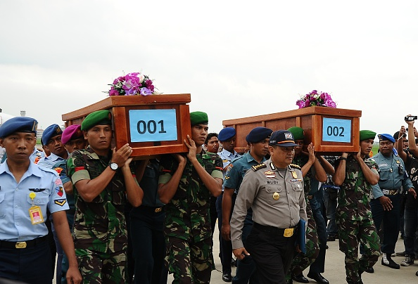 Robertus Pudyanto「Recovery Operation Begins For AirAsia Wreckage Discovered In Indonesian Waters」:写真・画像(0)[壁紙.com]