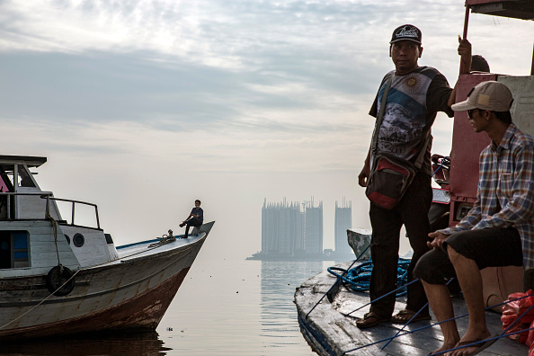 Jakarta「Indonesia Tackles Rising Waters At Jakarta's Sinking City」:写真・画像(7)[壁紙.com]