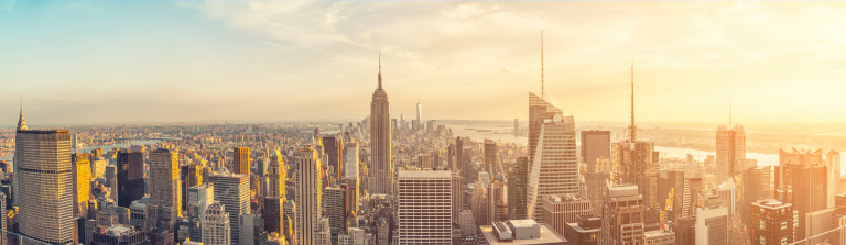 Town Square「The Empire State building and manhattan panorama in NYC」:スマホ壁紙(1)