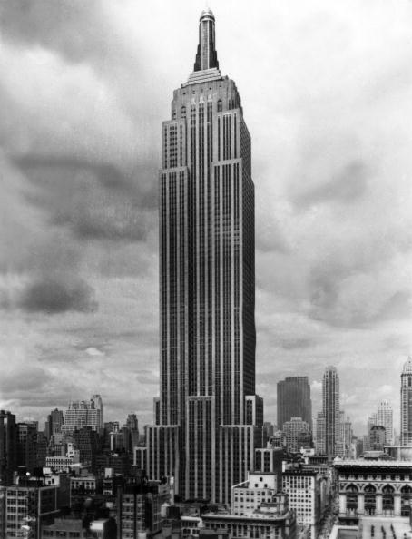 Empire State Building「The Empire State Building built in 1930 in New York, 1941」:写真・画像(11)[壁紙.com]