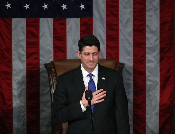 Politician「Paul Ryan Swears In Members Of The 115th Congress」:写真・画像(6)[壁紙.com]