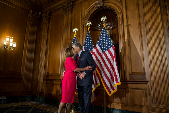 Speaker of the House「Newly Elected House Speaker Nancy Pelosi Holds Ceremonial Swearing-In With New Members Of Congress」:写真・画像(16)[壁紙.com]