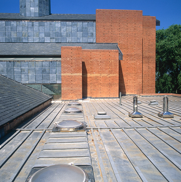 Brick Wall「Wooden and lead roof deck of St Barnabas Church, Dulwich, South London, UK」:写真・画像(5)[壁紙.com]