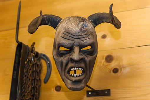 Demon - Fictional Character「Handcrafted wooden Krampus mask」:スマホ壁紙(10)