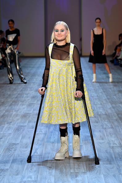 Shirt「Resene Designer - Runway - New Zealand Fashion Week 2019」:写真・画像(6)[壁紙.com]