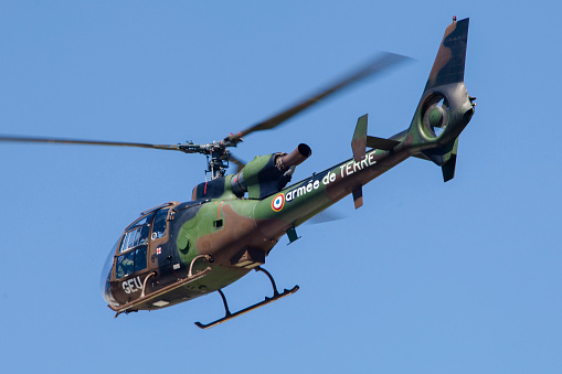 ミリタリー「French Army Gazelle helicopter from the training unit at Le Luc, France.」:スマホ壁紙(18)