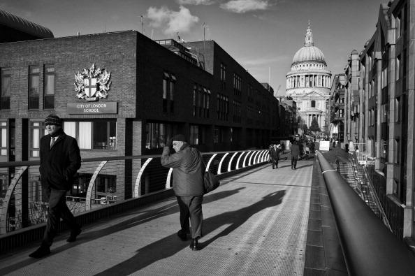 Tom Stoddart Archive「Millennium Bridge」:写真・画像(7)[壁紙.com]