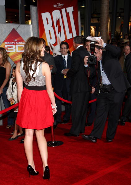 """El Capitan Theatre「Premiere Of Walt Disney Animation Studios' """"Bolt"""" - Arrivals」:写真・画像(18)[壁紙.com]"""