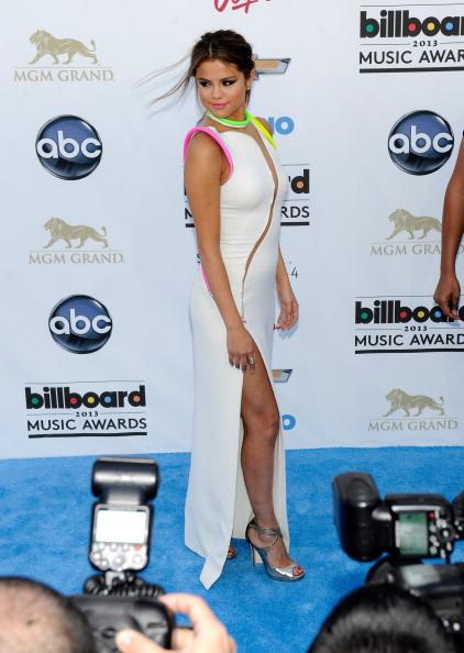Slit - Clothing「2013 Billboard Music Awards - Arrivals」:写真・画像(12)[壁紙.com]