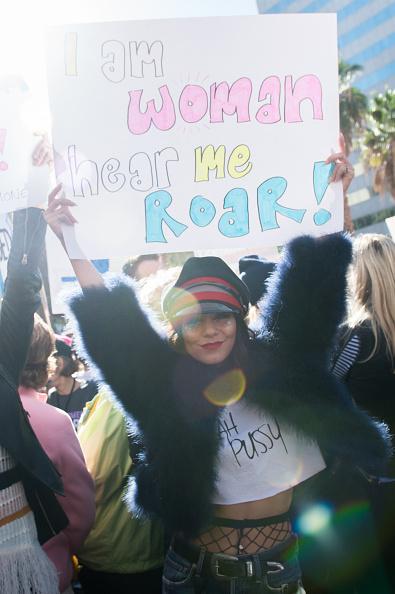 ヴァネッサ・ハジェンズ「Women's March Los Angeles」:写真・画像(2)[壁紙.com]