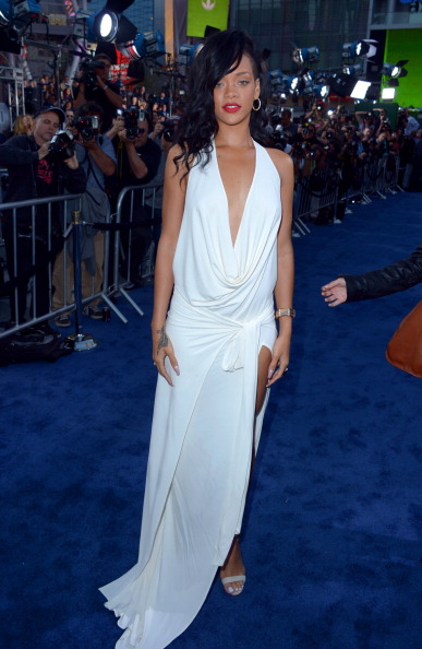 "Manolo Blahnik - Designer Label「Premiere Of Universal Pictures' ""Battleship"" - Red Carpet」:写真・画像(3)[壁紙.com]"