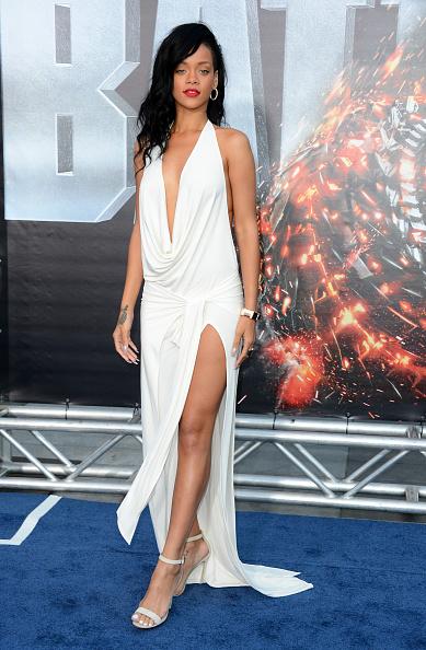 "Halter Top「Premiere Of Universal Pictures' ""Battleship"" - Arrivals」:写真・画像(2)[壁紙.com]"