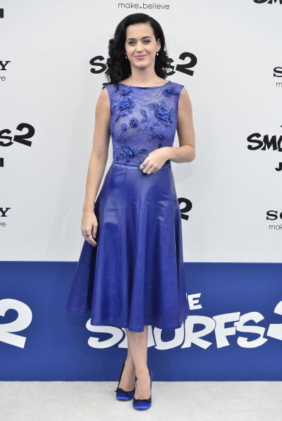 "Mid Calf Length「Premiere Of Columbia Pictures' ""Smurfs 2"" - Arrivals」:写真・画像(8)[壁紙.com]"
