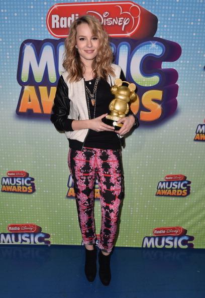 Leather Jacket「2013 Radio Disney Music Awards - Inside」:写真・画像(9)[壁紙.com]