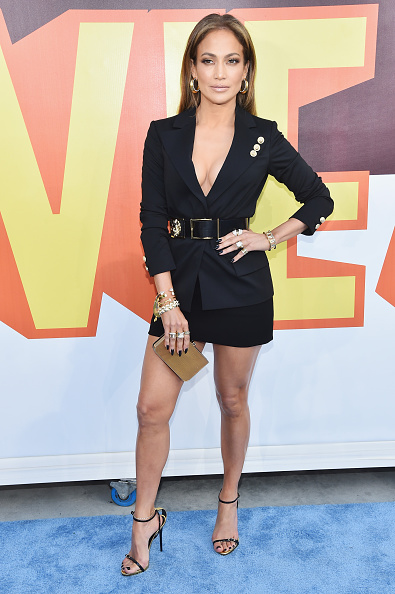服装「The 2015 MTV Movie Awards - Red Carpet」:写真・画像(5)[壁紙.com]