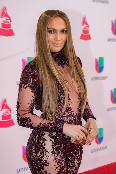 ジェニファー・ロペス「The 17th Annual Latin Grammy Awards - Red Carpet」:写真・画像(6)[壁紙.com]